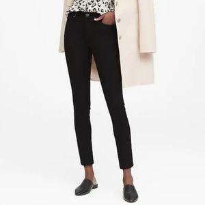 Banana Republic Skinny Black Ankle Jean size 27P